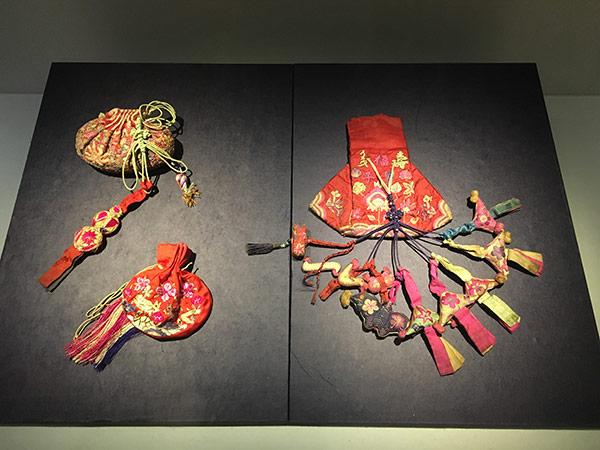 Maedub | Korean wrapping cloths | Korean knots | Korean Textiles |Maedubare